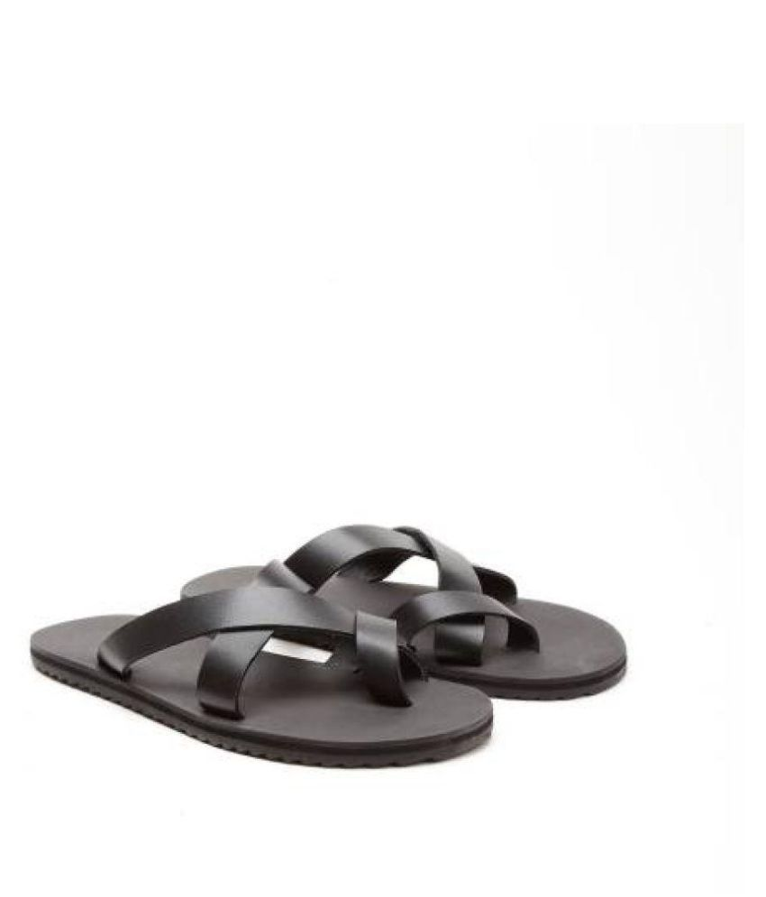 50123018bc4331 United Colors of Benetton Hawaii Thong Black Leather Sandals Price in  India- Buy United Colors of Benetton Hawaii Thong Black Leather Sandals  Online at ...