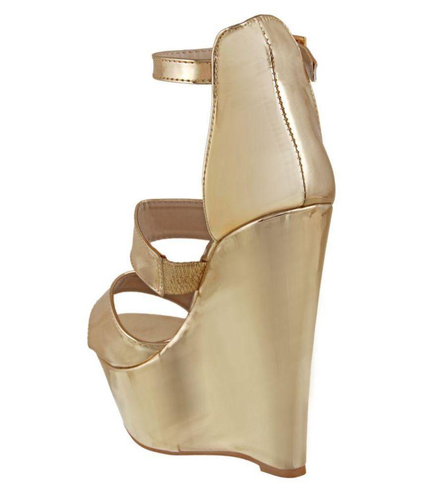b4b260f555 Flat N Heels Gold Wedges Heels Price in India- Buy Flat N Heels Gold ...