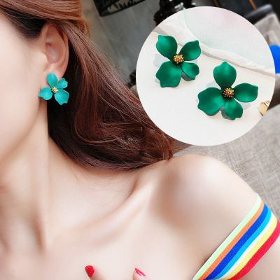 Levaso Fashion Jewelry Womens Earrings Ear Studs Alloy 1Pair Personality Gifts Yellow