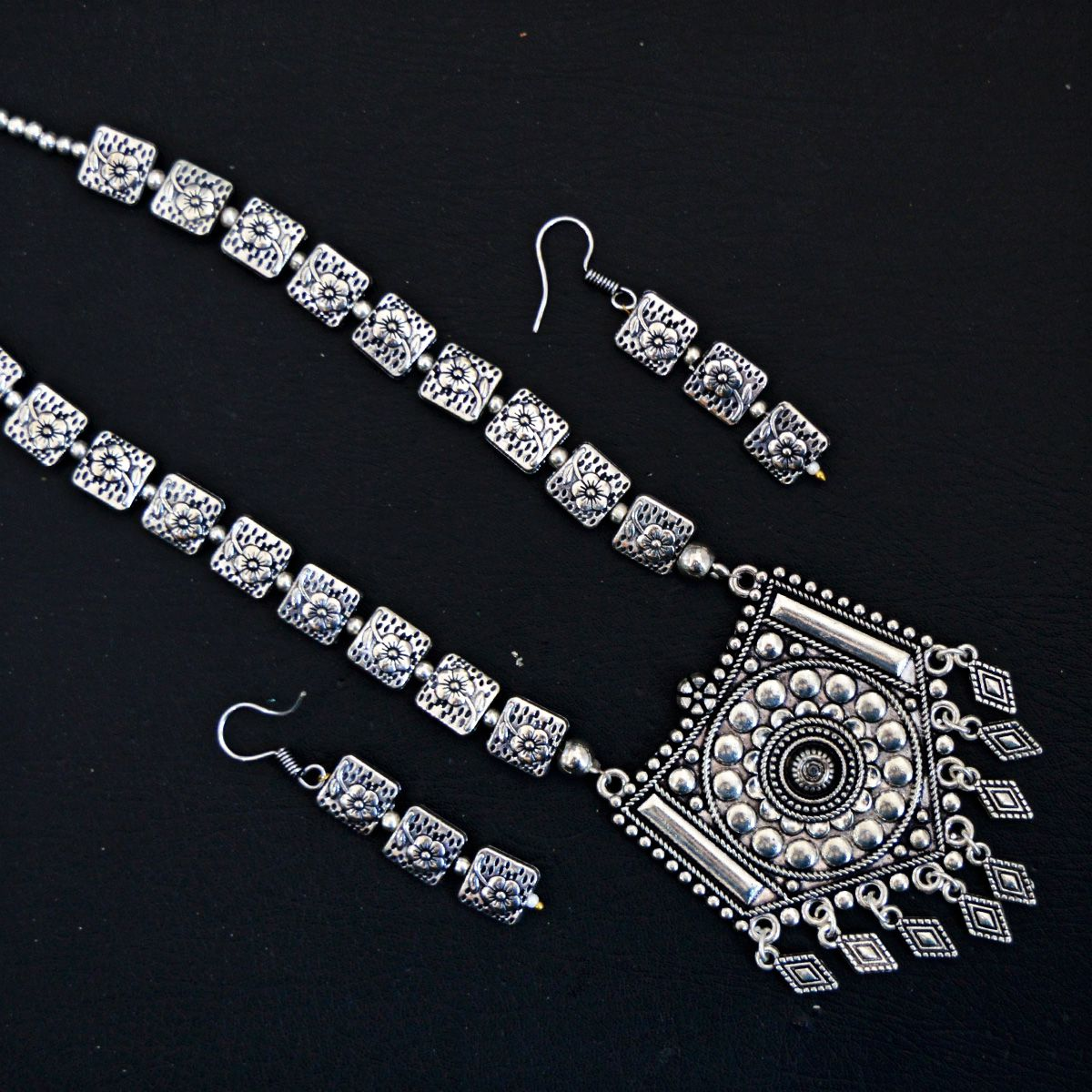 MK Jewellers Necklace