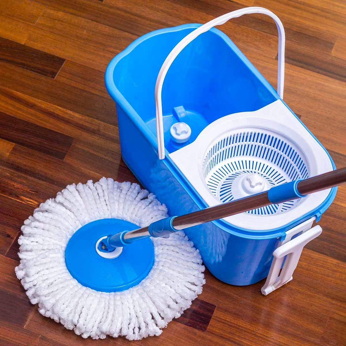 Esquire Classic Spin Mop Set with Pull Handle, Wheels and 2 Microfiber Refills