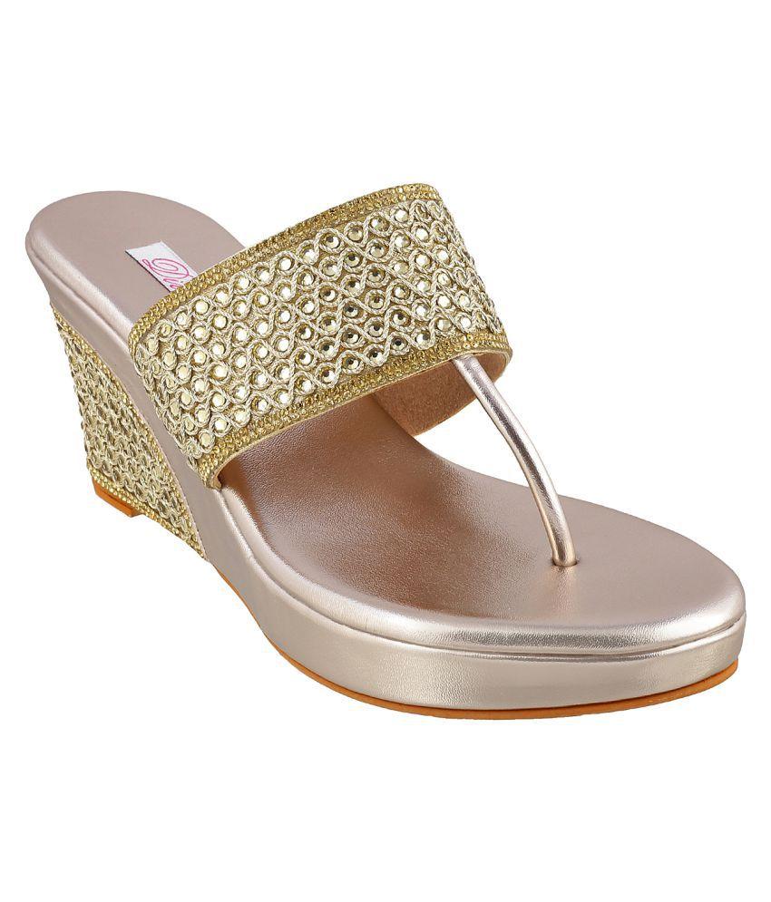 Mochi Maroon Wedges Heels