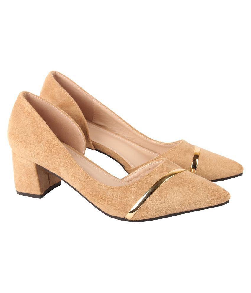 D SHOE LOUNGE Apricot Block Heels