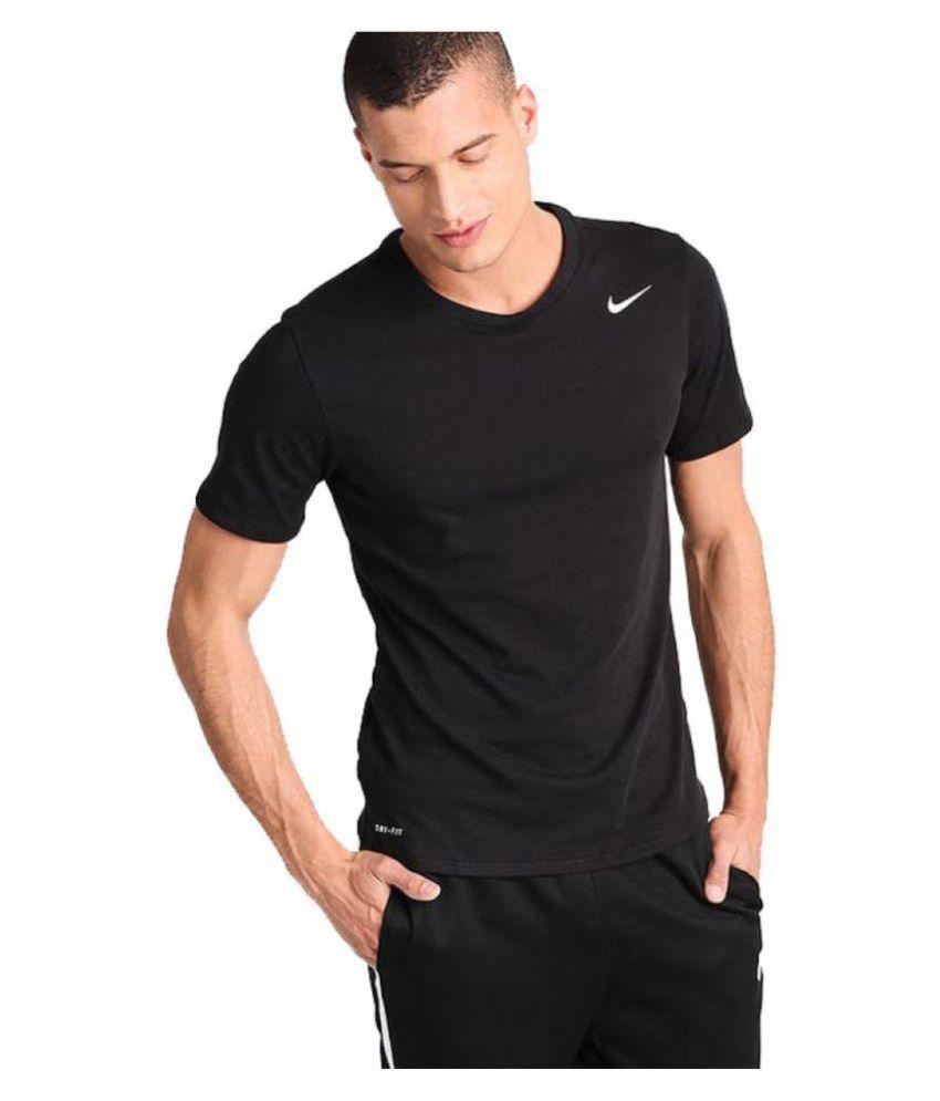 Schwarzes Nike T Shirt