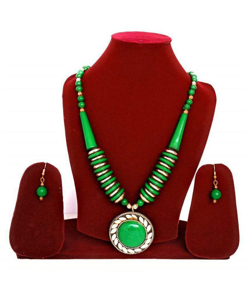 Catalyst Brass Green Contemporary Designer Gold Plated Necklaces Set