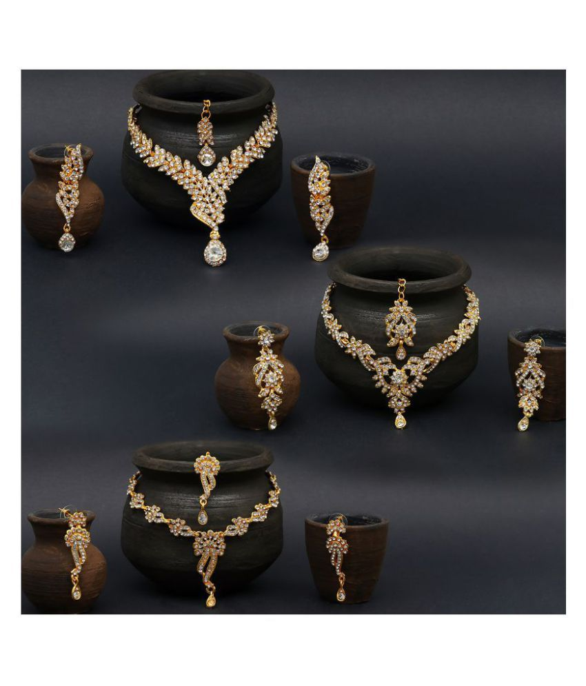 5ca57ed755950 Sukkhi Alloy Golden Collar Traditional 18kt Gold Plated Necklace set Combo