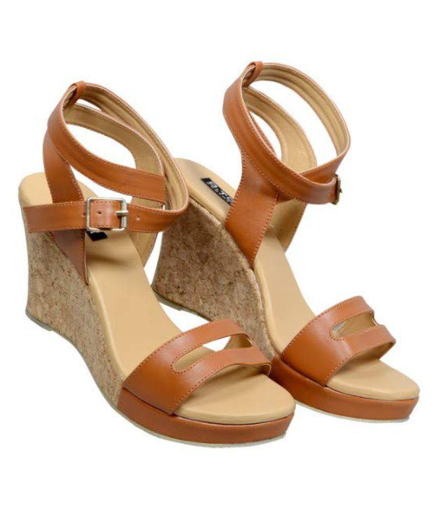 D.tox Footwear Tan Wedges Heels