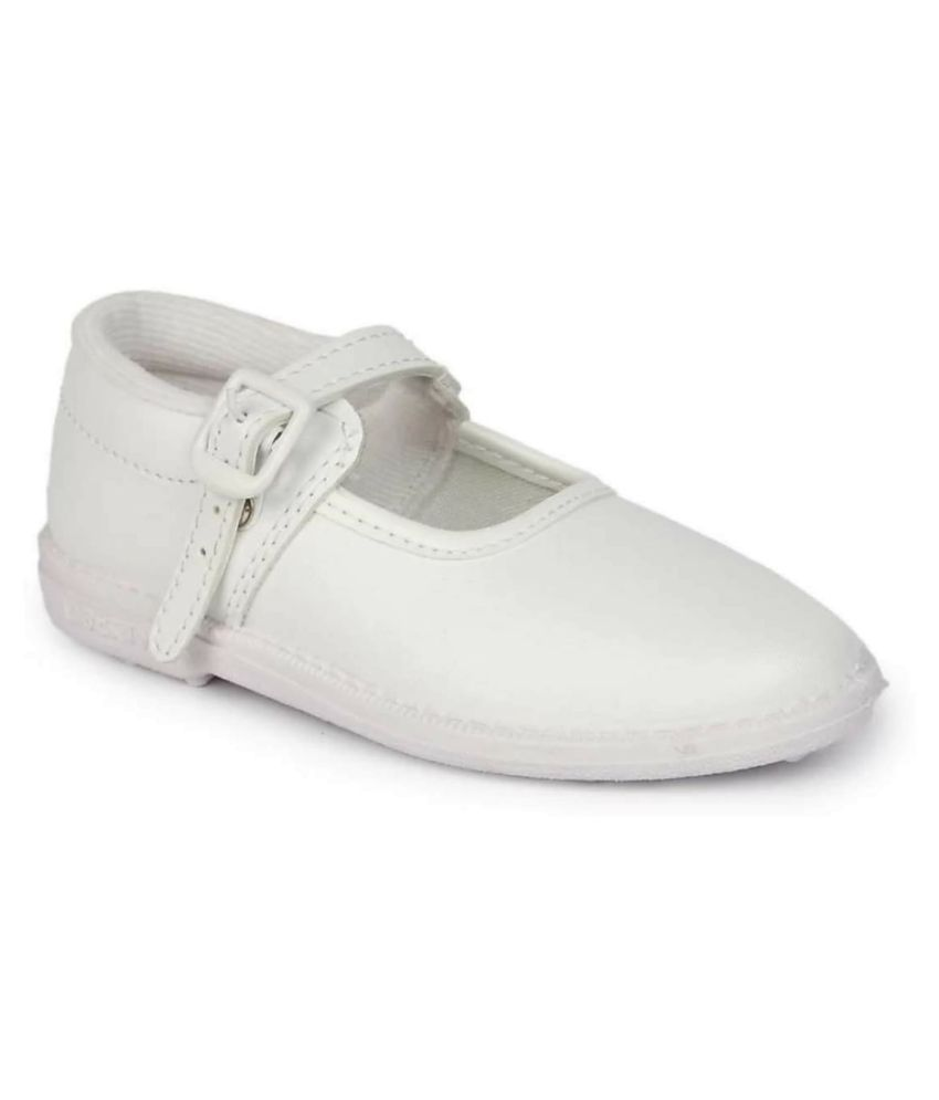 JIndal Girls School Shoes White with Buckle Size 5 Uk