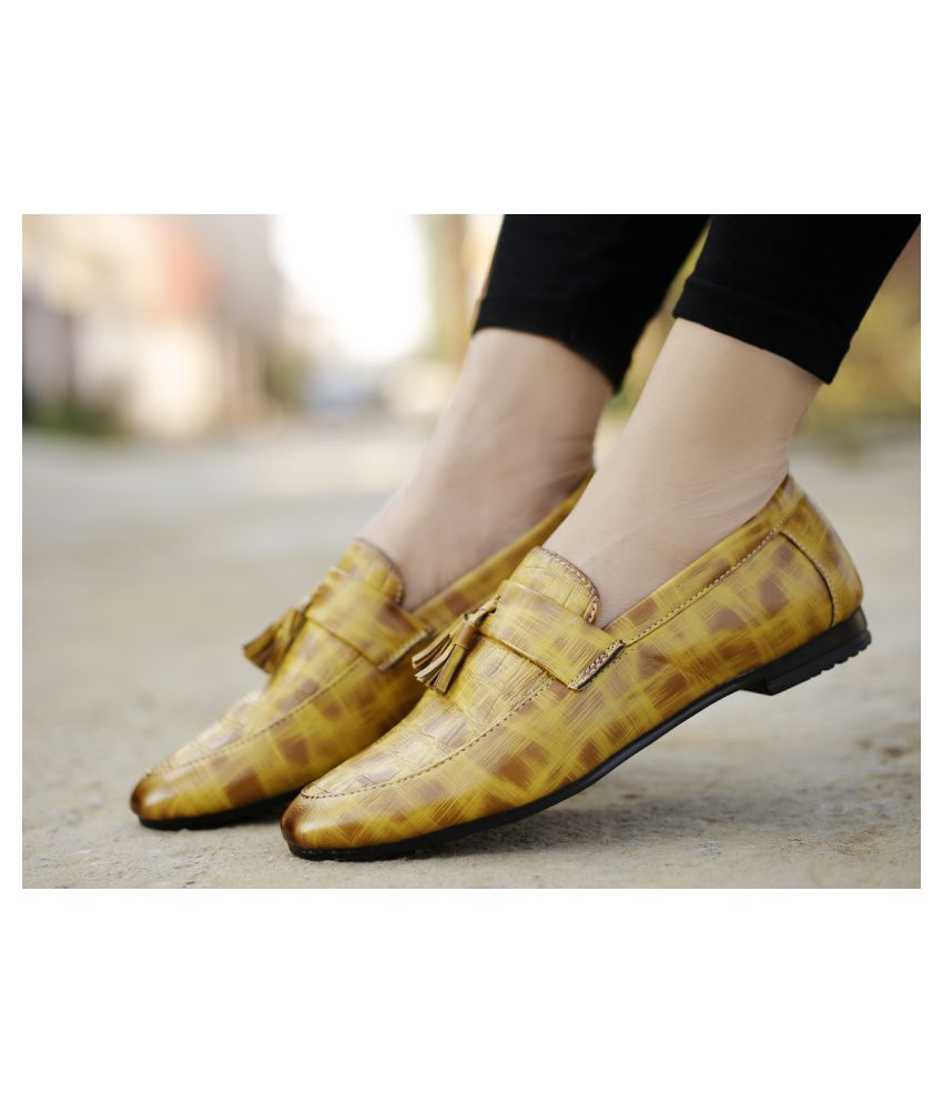Global Rich Mules Beige Casual Shoes