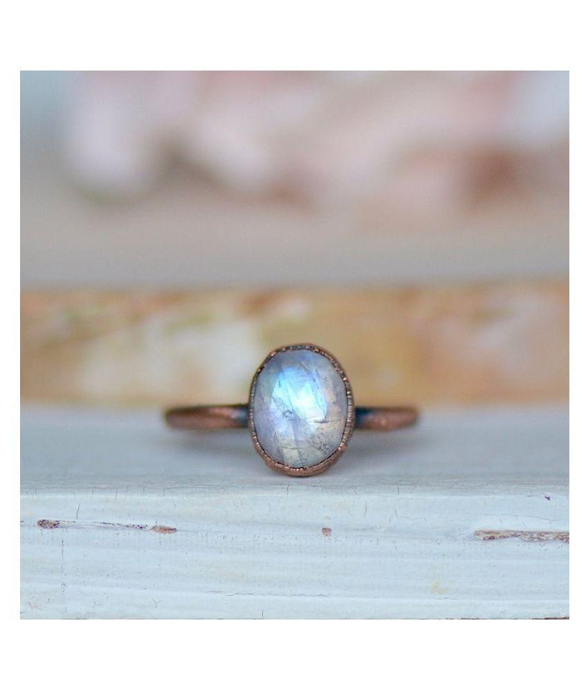 silver 4.5 Carat Classic MOONSTONE  Ring by Ratan Bazaar