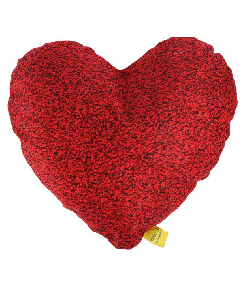100% Polyester Heart Shape Dotted Design Cushion