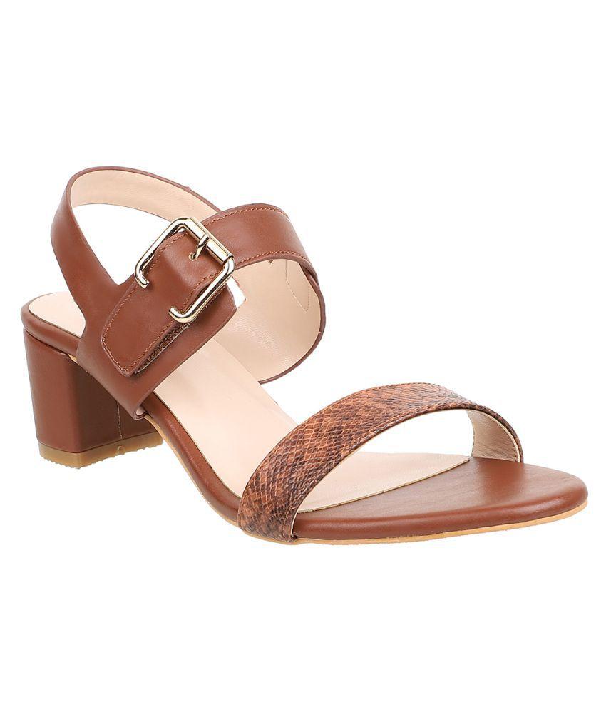 sherrif shoes Tan Block Heels