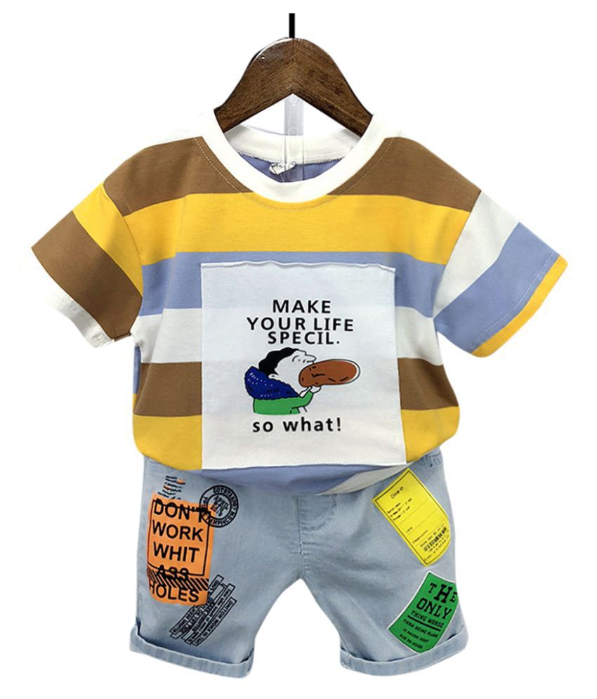 Hopscotch Boys Cotton Spandex Half Sleeves Applique Text Printed T-Shirt and Shorts Set in Yellow color for Ages 4-5 Years (YMB-3106928)